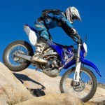 7 Best Dirt Bikes Under $2000 in 2021 [Top Brands Reviewed]